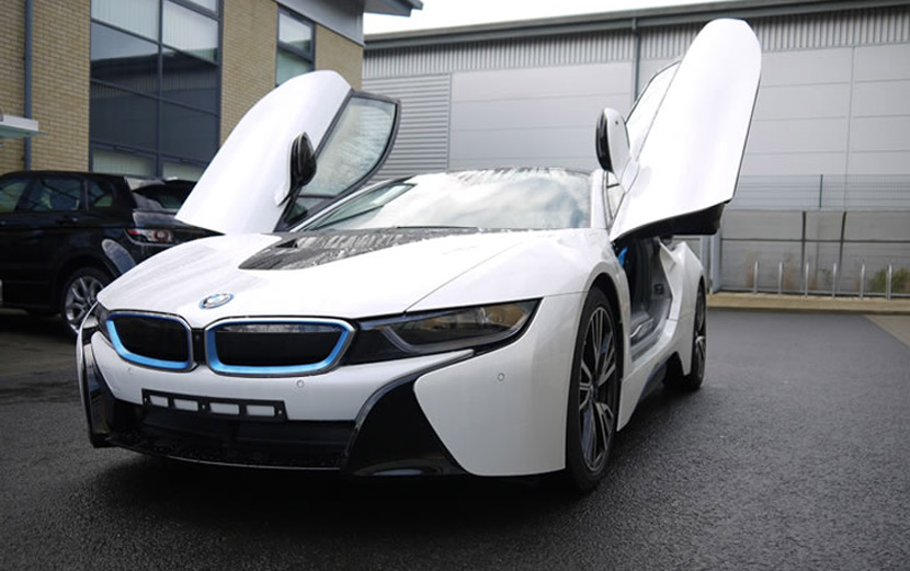 BMW i8 Hybrid And BMW i8 Roadster – What Is The Difference Between The Two Models?